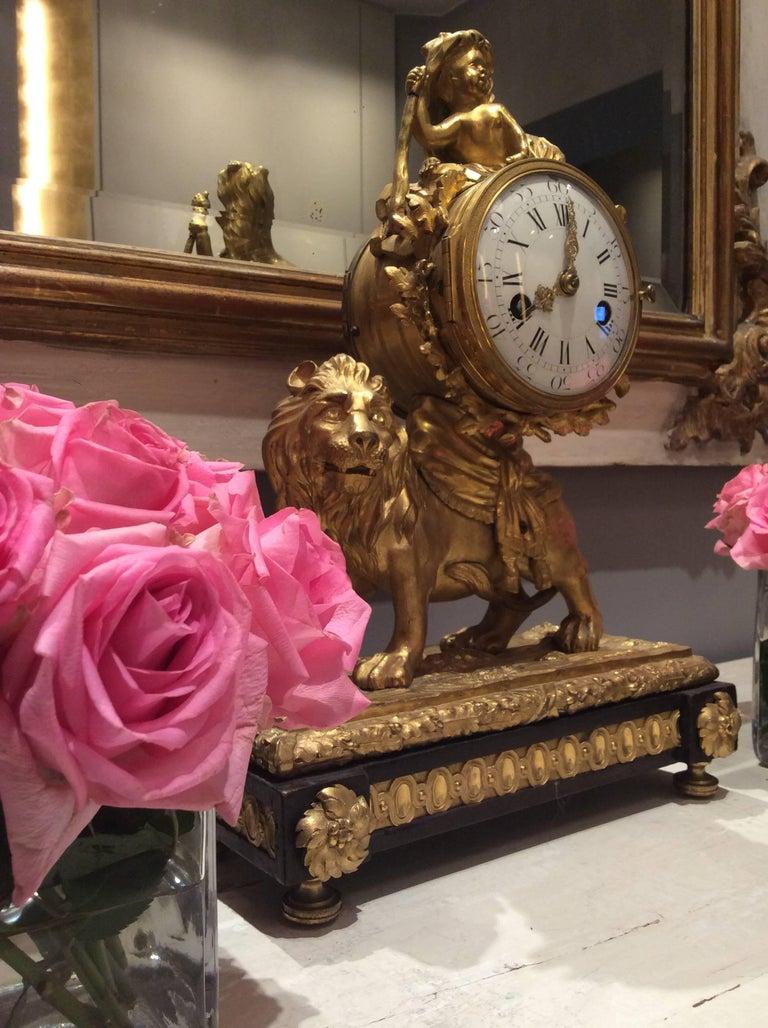 Louis XV Lion Mantle Clock Gilded Bronze, circa 1770 For Sale 1