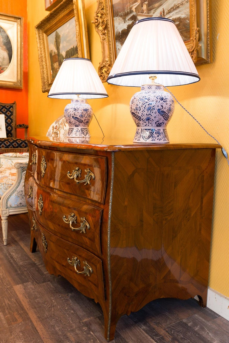 Louis XV Period Walnut and Marquetry Serpentine Commode, circa 1750 For Sale 9