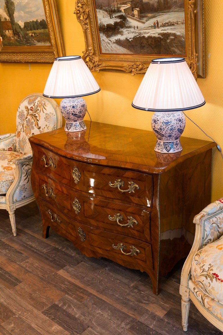 Louis XV Period Walnut and Marquetry Serpentine Commode, circa 1750 For Sale 10