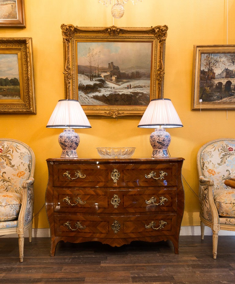 Louis XV period walnut and marquetry serpentine commode, circa 1750.