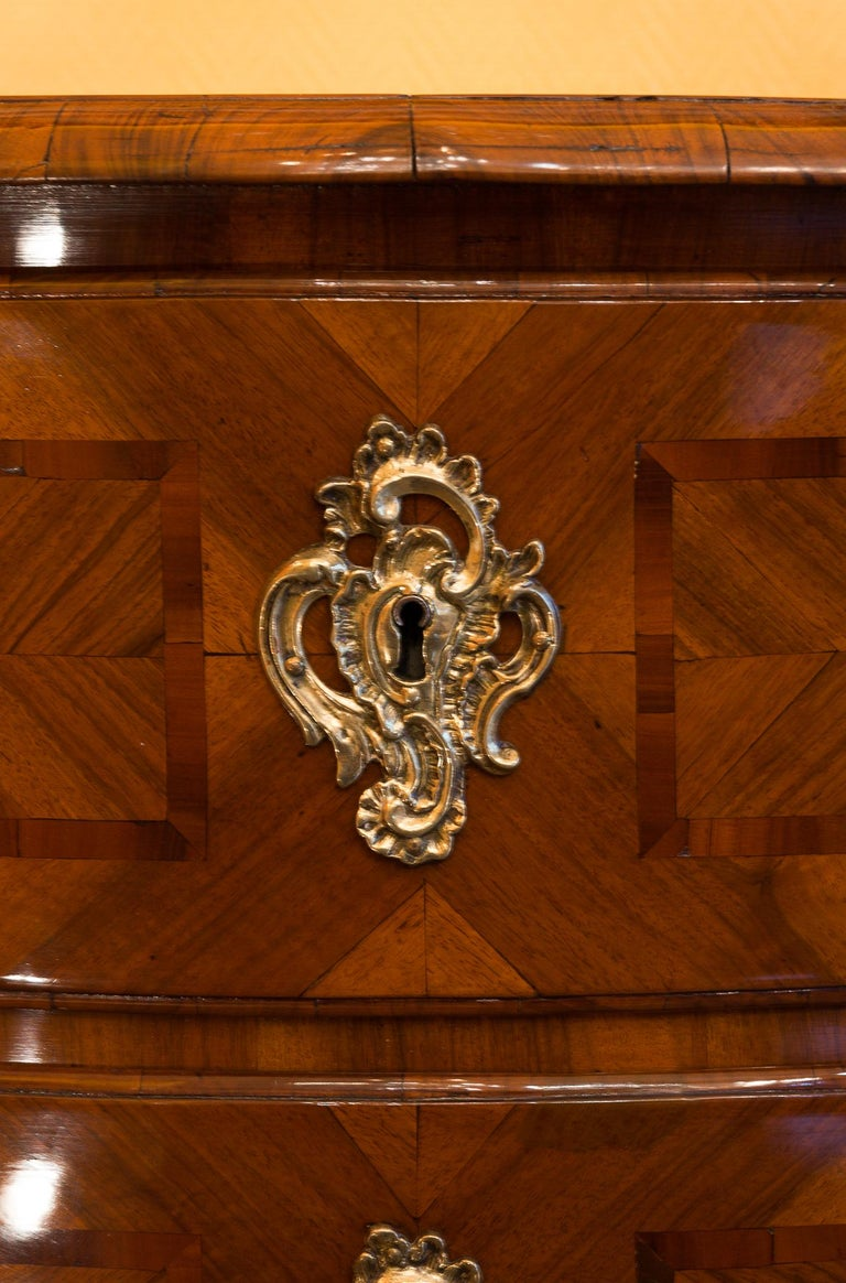 Louis XV Period Walnut and Marquetry Serpentine Commode, circa 1750 For Sale 5
