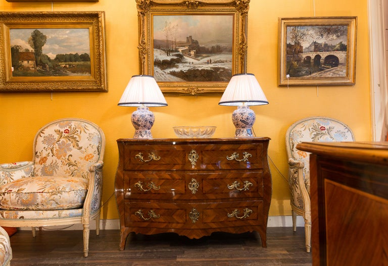 Louis XV Period Walnut and Marquetry Serpentine Commode, circa 1750 For Sale 6
