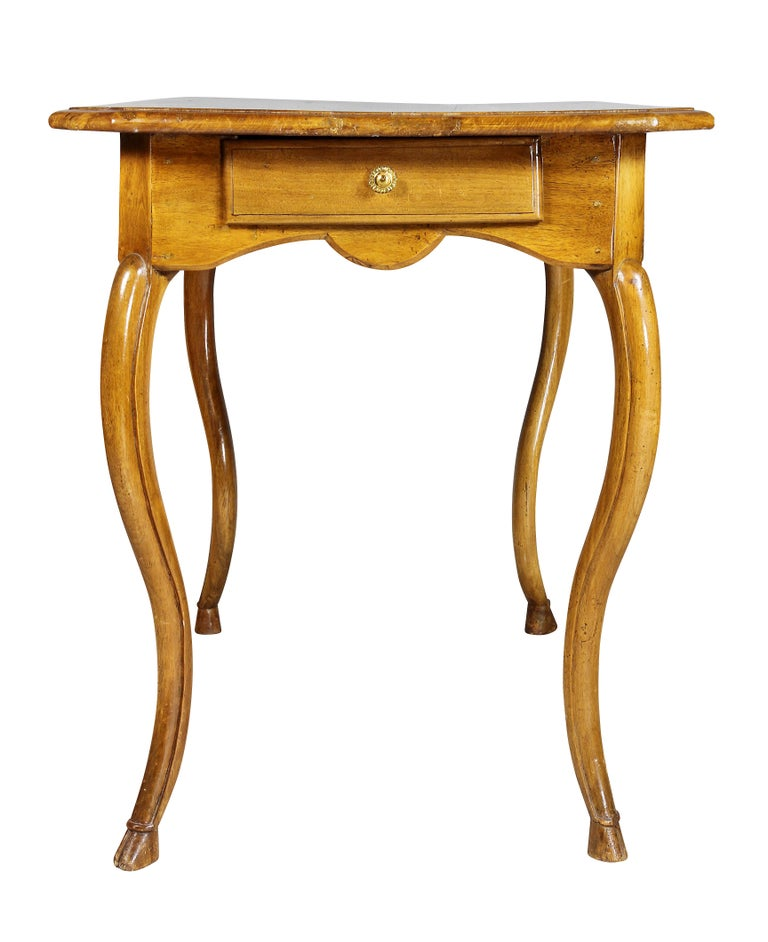 Louis XV Provincial Walnut Table For Sale 5