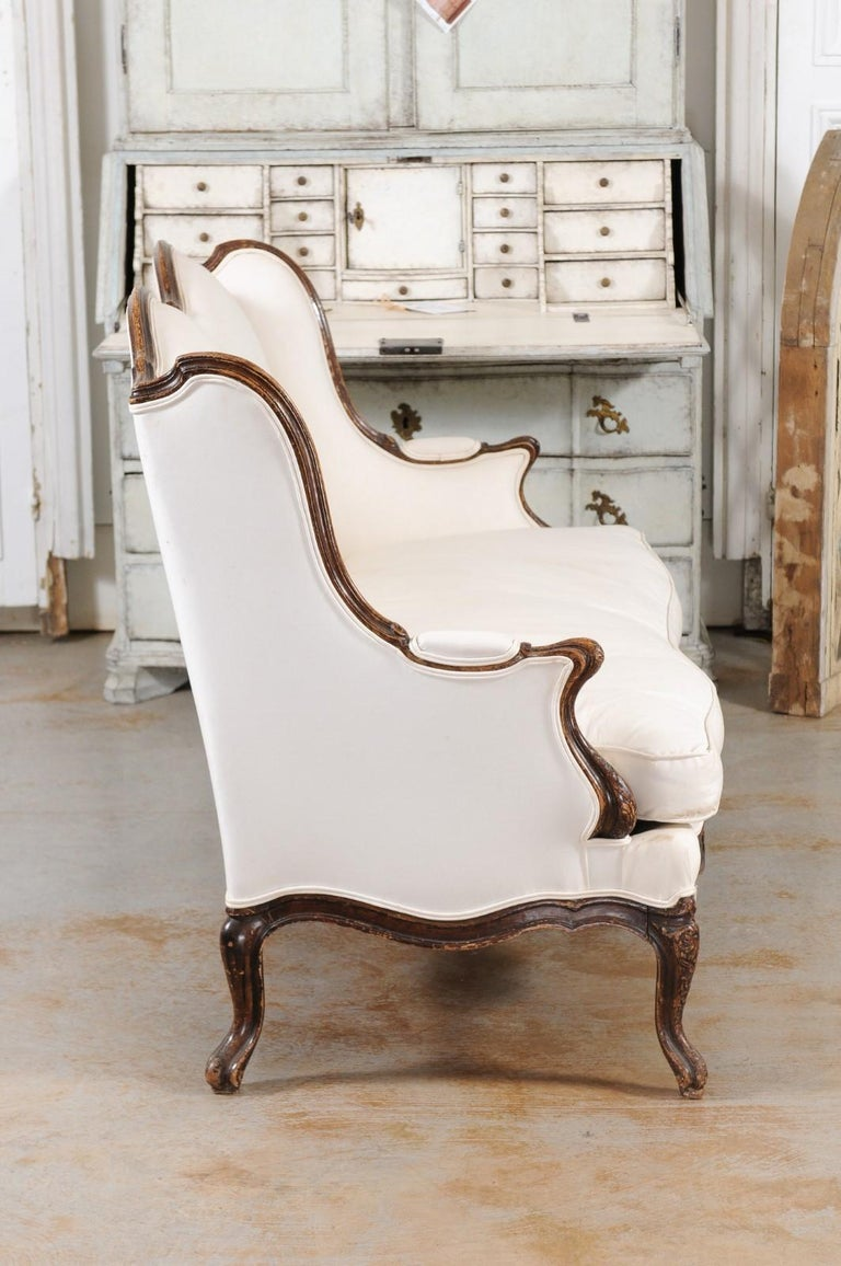 Louis XV Style 19th Century French Walnut Wingback Canapé with Cabriole Legs For Sale 6