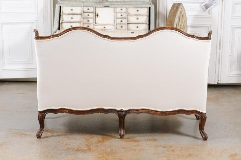 Louis XV Style 19th Century French Walnut Wingback Canapé with Cabriole Legs For Sale 9