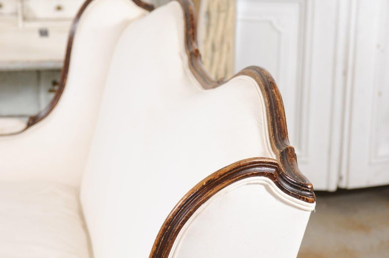 Louis XV Style 19th Century French Walnut Wingback Canapé with Cabriole Legs For Sale 13