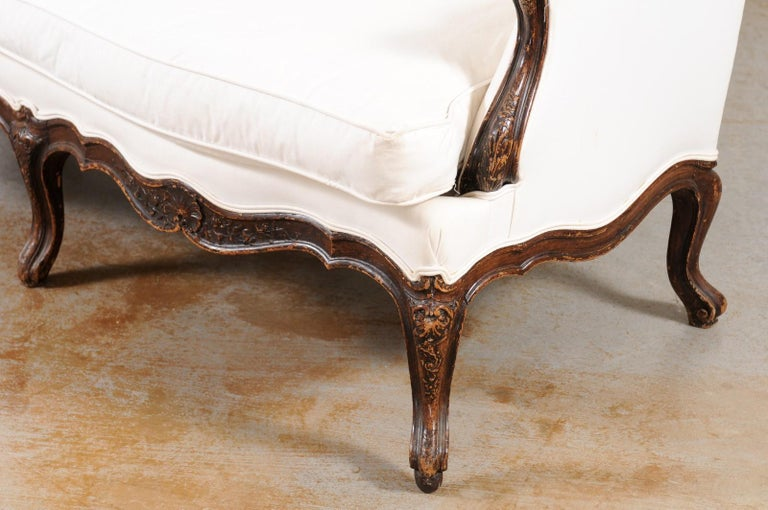 Louis XV Style 19th Century French Walnut Wingback Canapé with Cabriole Legs For Sale 15
