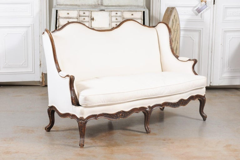 Louis XV Style 19th Century French Walnut Wingback Canapé with Cabriole Legs For Sale 4