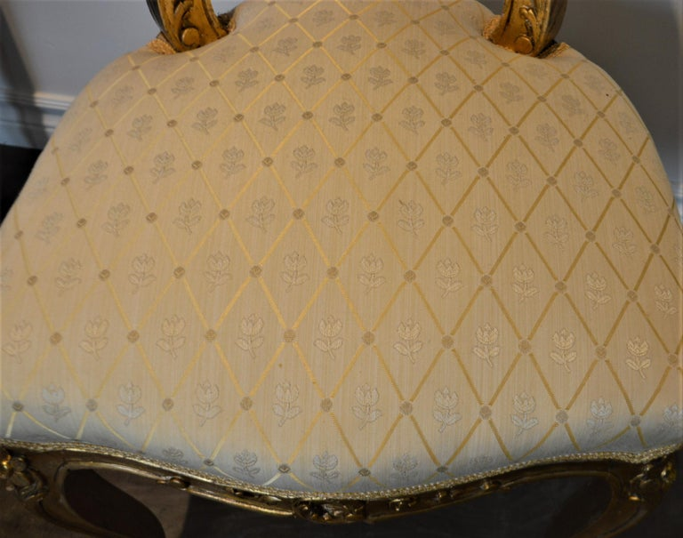 Louis XV Style Gilded Side Chair, Newly Upholstered in a Cream and Gold Silk For Sale 4