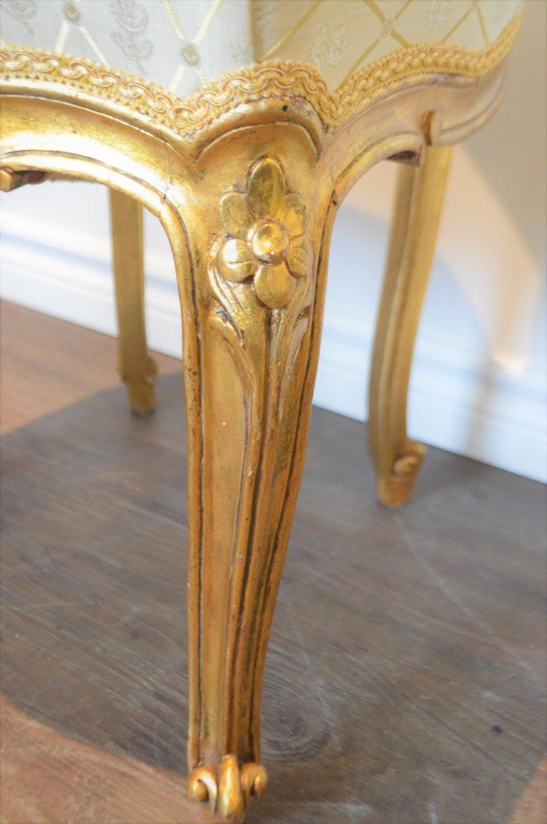 Louis XV Style Gilded Side Chair, Newly Upholstered in a Cream and Gold Silk For Sale 1