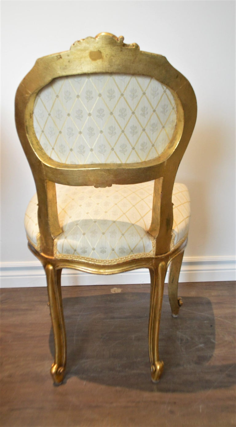 Louis XV Style Gilded Side Chair, Newly Upholstered in a Cream and Gold Silk For Sale 3
