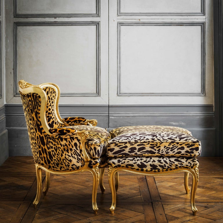 Hand-Carved Louis XV Style Giltwood Duchesse Brissée, Chaise Longue & Pair of Chairs For Sale