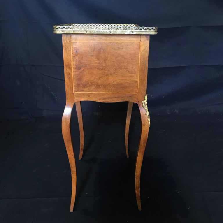Louis XV Style Inlaid Nightstand or Side Table with Gold Fretwork For Sale 1