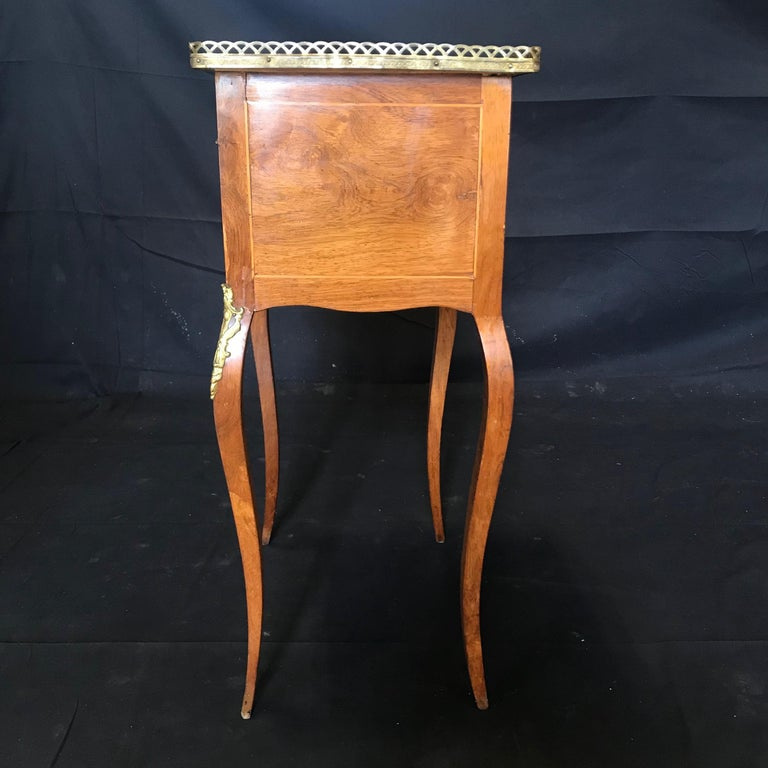 Louis XV Style Inlaid Nightstand or Side Table with Gold Fretwork For Sale 3