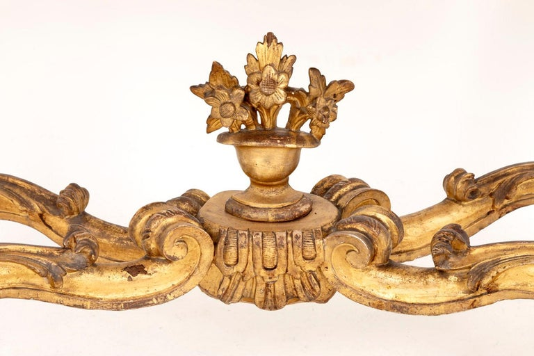 Louis XV Style Italian Console, Giltwood and Yellow Marble, 18th Century For Sale 7