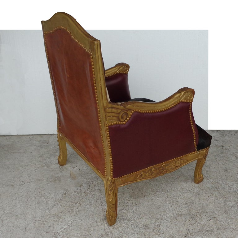 Louis XV Style Lounge Chair in Cowhide In Good Condition For Sale In Pasadena, TX