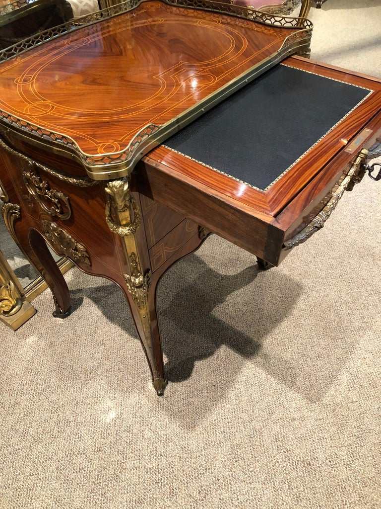 Louis XV Style Mahogany Commode/Secretary In Good Condition For Sale In Houston, TX