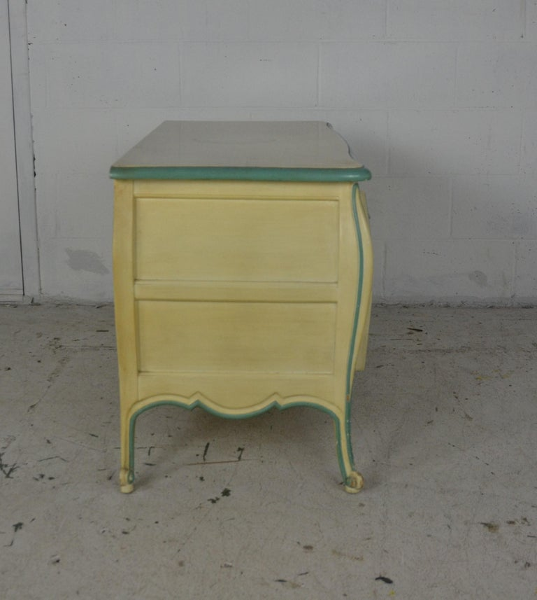 Louis XV Style Nightstands In Good Condition For Sale In Pasadena, CA