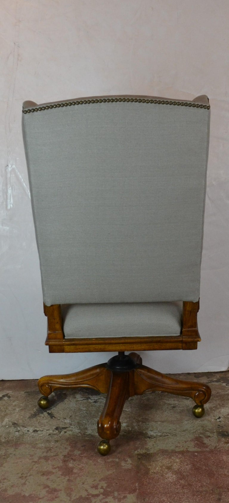 Louis XV Style Office Chair In Good Condition For Sale In Pasadena, CA