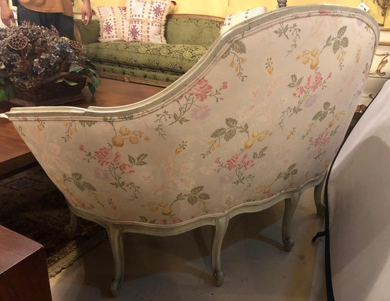 Louis XV Style Paint Decorated Settee / Loveseat Tufted in a Swedish Fashion 4