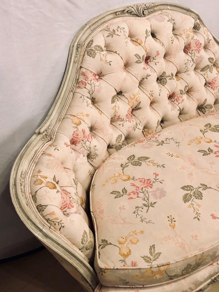 Louis XV Style Paint Decorated Settee / Loveseat Tufted in a Swedish Fashion In Good Condition In Stamford, CT