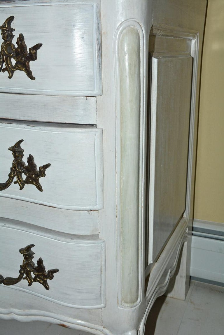 Louis XV-Style Painted Dresser In Good Condition For Sale In Great Barrington, MA