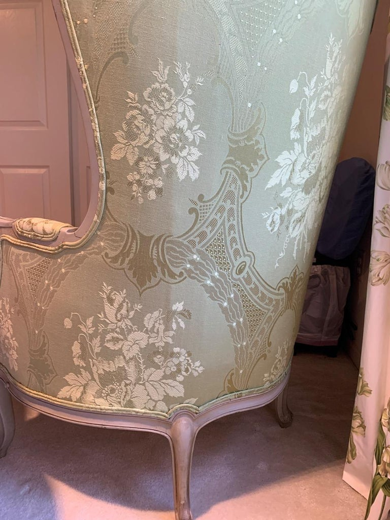 Louis XV Style Painted Gilt Beechwood and Upholstered Bergère Chair For Sale 4