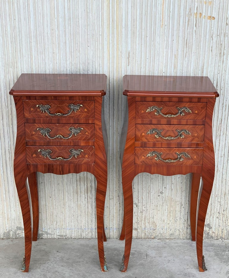 Bronze Louis XV Style Pair of Marquetry Nightstands with Three Drawers & Cabriole Legs For Sale