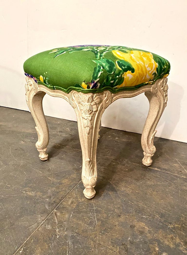 Hand-Carved Louis XV Style Stools or Tabourets, Set of 3 For Sale