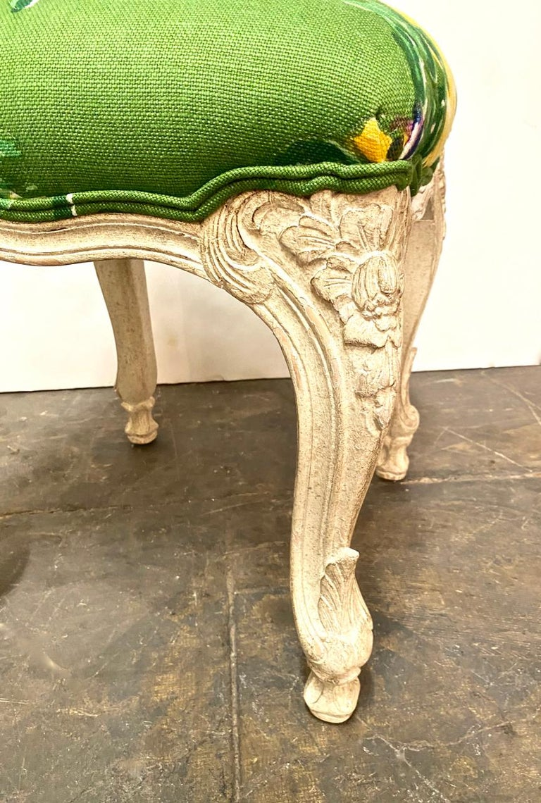 Louis XV Style Stools or Tabourets, Set of 3 In Good Condition For Sale In Pasadena, CA