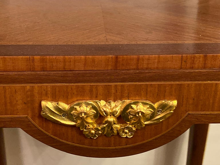 Louis XV-XVI Style Marble-Top Side Table End Table Pedestal, Transitional For Sale 6