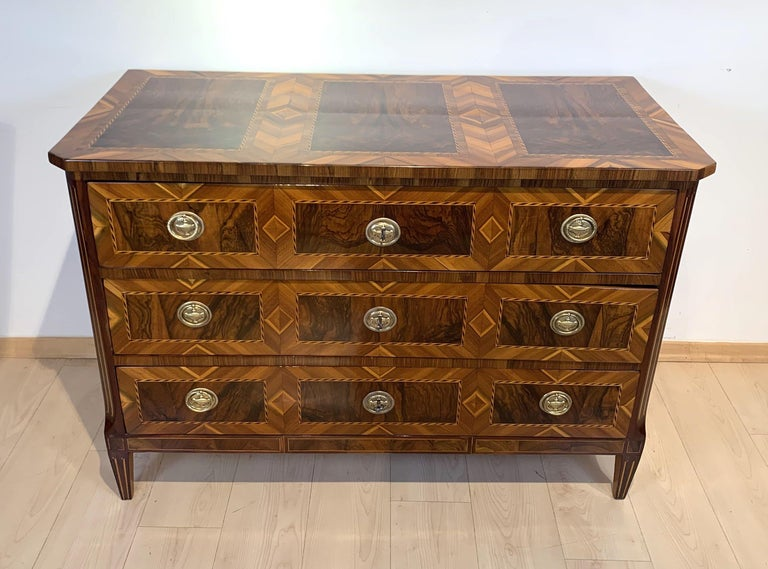 Beautiful and very elegant original off the period Louis XVI / Louis seize commode / chest of three drawers from South Germany, probably Munich, circa 1790.