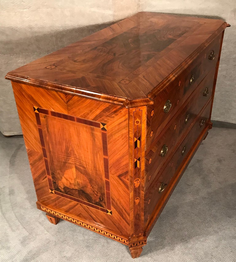 Louis XVI Commode, Walnut, Southern Germany, 1780 For Sale 7