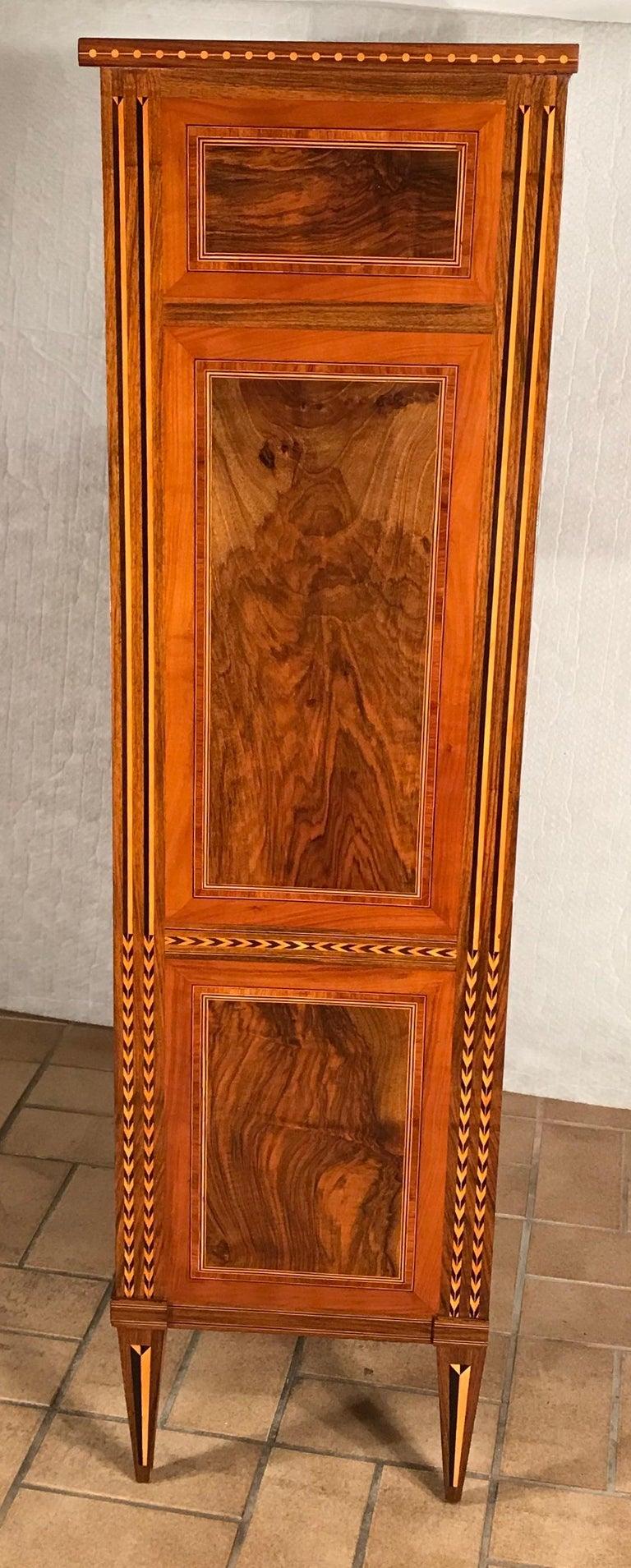 Louis XVI Drop Front Desk, France 1780-1800, Walnut Root Veneer For Sale 5