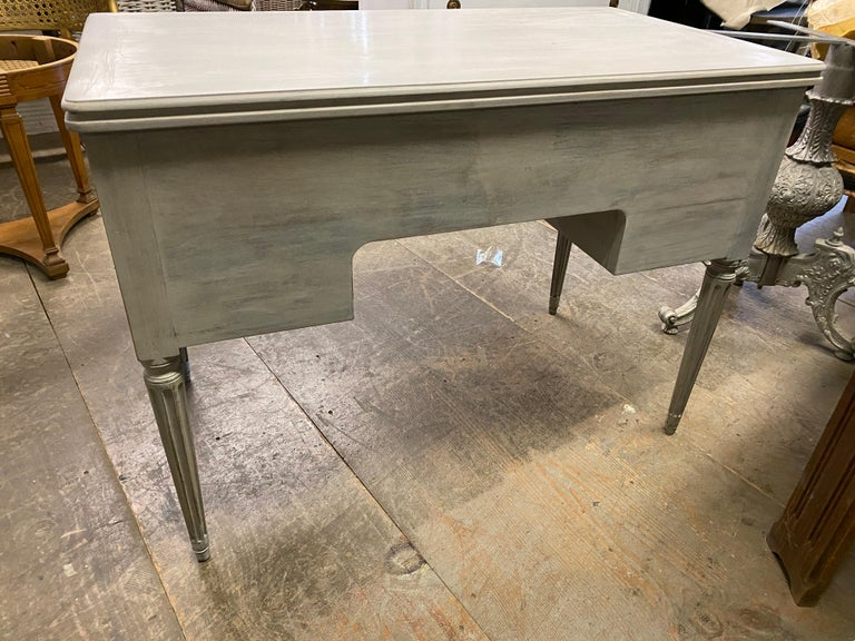 Louis XVI French Country Style Painted Desk For Sale 2
