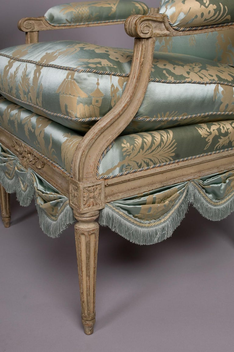 Louis XVI French Silk Armchair, Claude II Sené, Fauteuil a la Reine, 1780-1783 For Sale 3