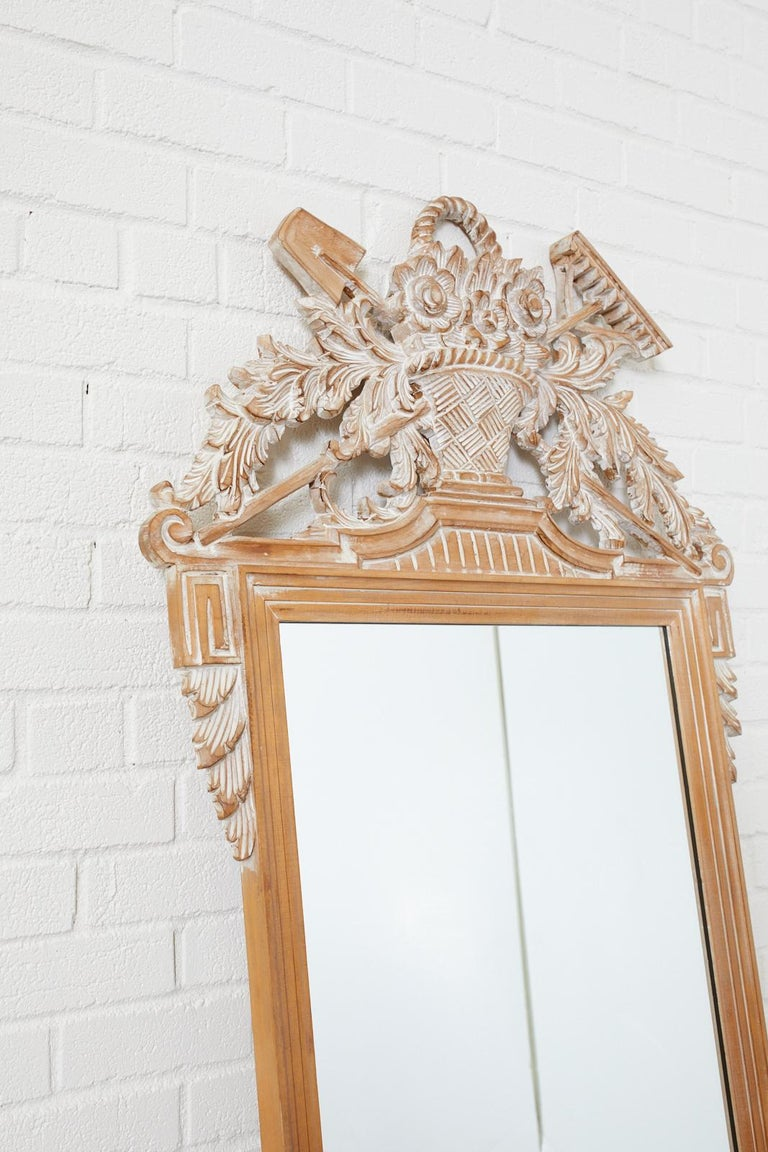Louis XVI French Style Carved Wall Mirror In Good Condition For Sale In Rio Vista, CA