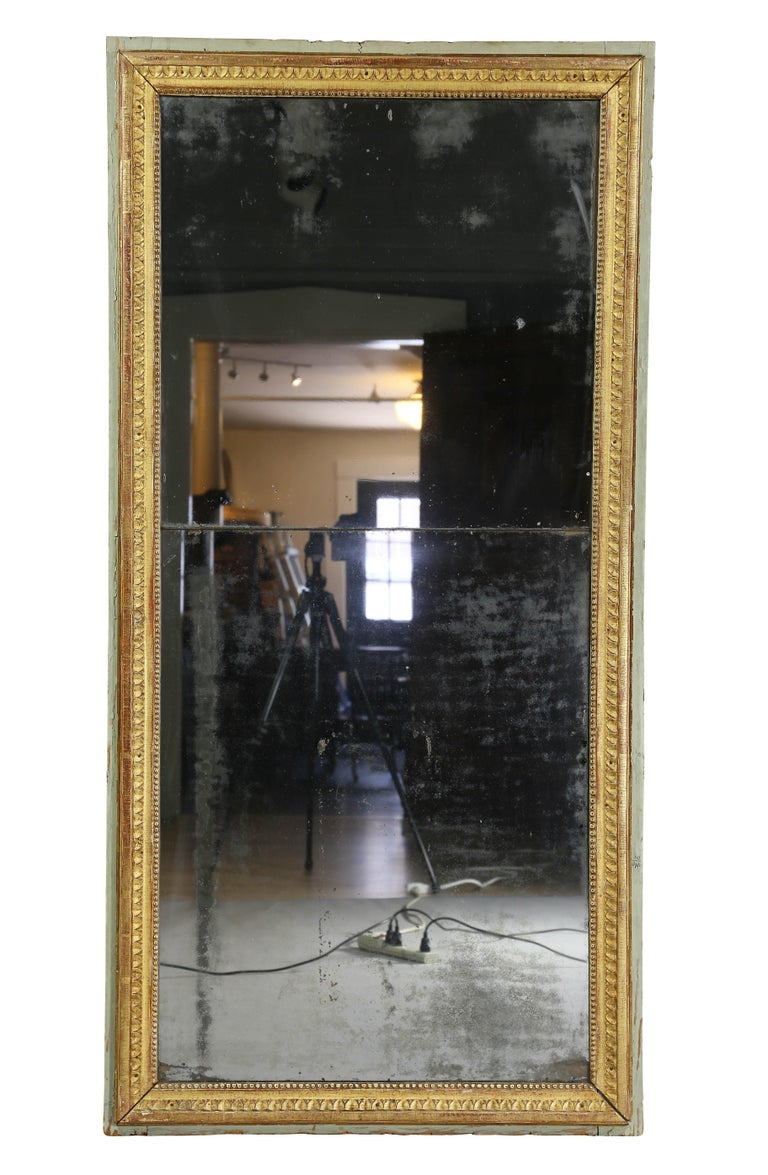 Late 18th Century Louis XVI Giltwood Mirror For Sale