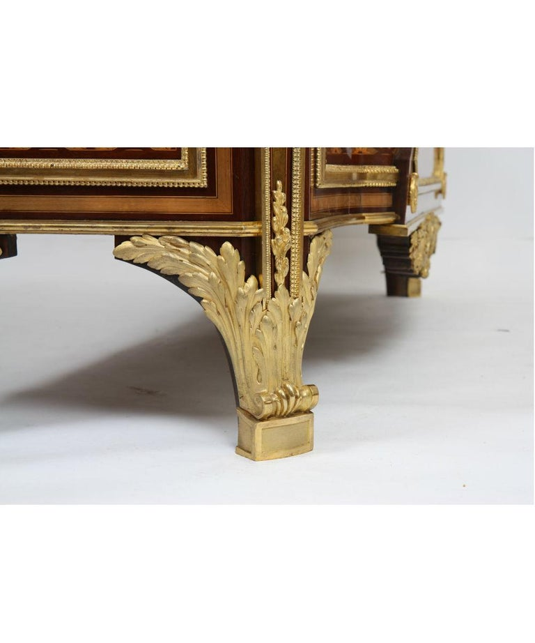 Louis XVI Inlaid Commode attribution from Riesener In Good Condition For Sale In Mondorf les Bains, LU