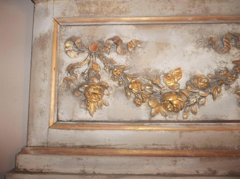 Louis XVI Neoclassical Style Paint and Giltwood Boiserie Overdoor Panel In Good Condition For Sale In Nashville, TN