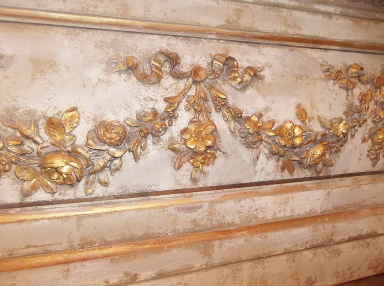 Louis XVI Neoclassical Style Paint and Giltwood Boiserie Overdoor Panel For Sale 3