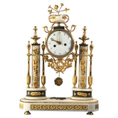 Louis XVI Ormolu Mounted Black and White Marble Mantel Clock, Paris, 1800