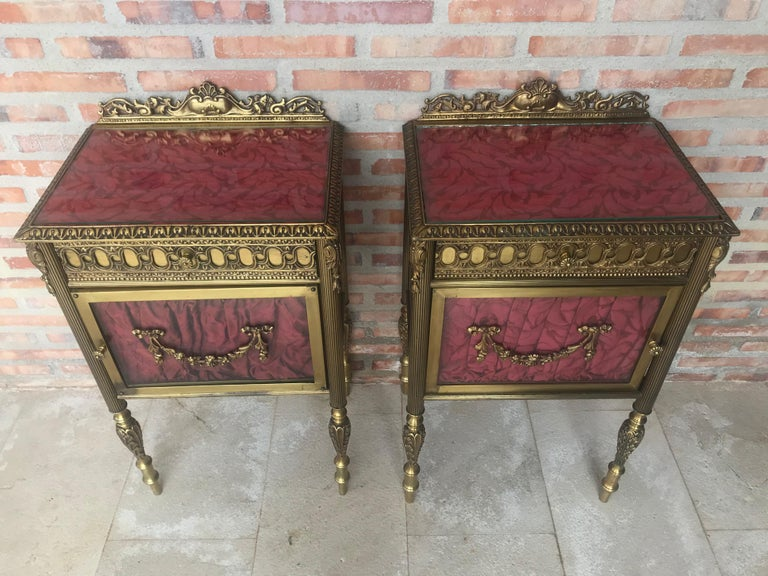 Louis XVI Pair of Bronze Vitrine Nightstand with Glass Door and Drawer For Sale 2