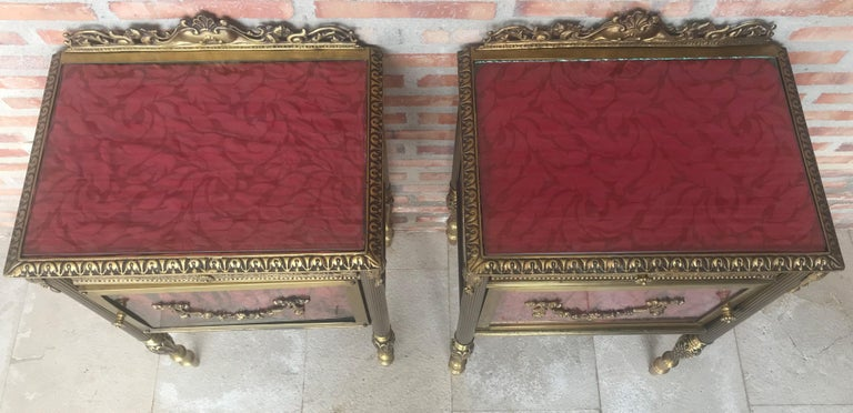 Louis XVI Pair of Bronze Vitrine Nightstand with Glass Door and Drawer For Sale 3