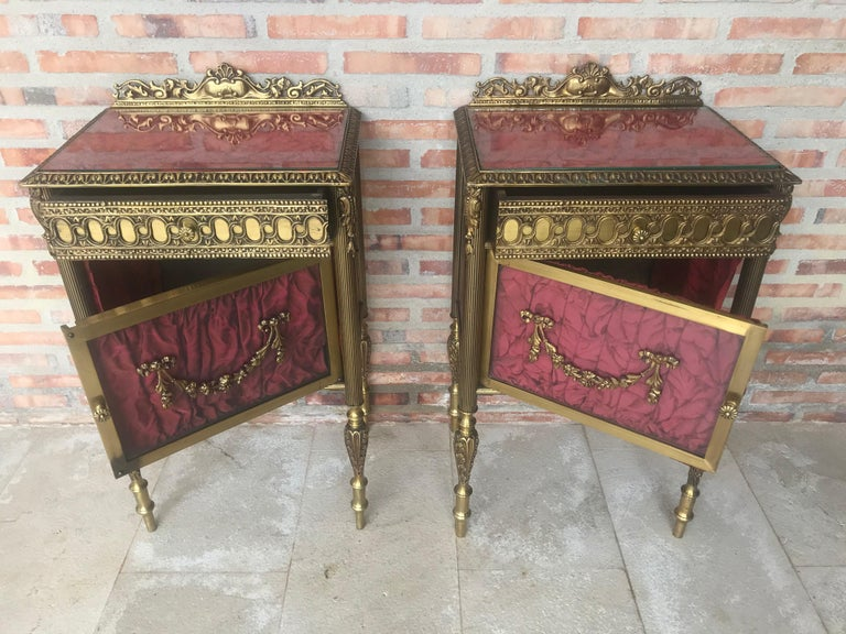 Louis XVI Pair of Bronze Vitrine Nightstand with Glass Door and Drawer For Sale 4