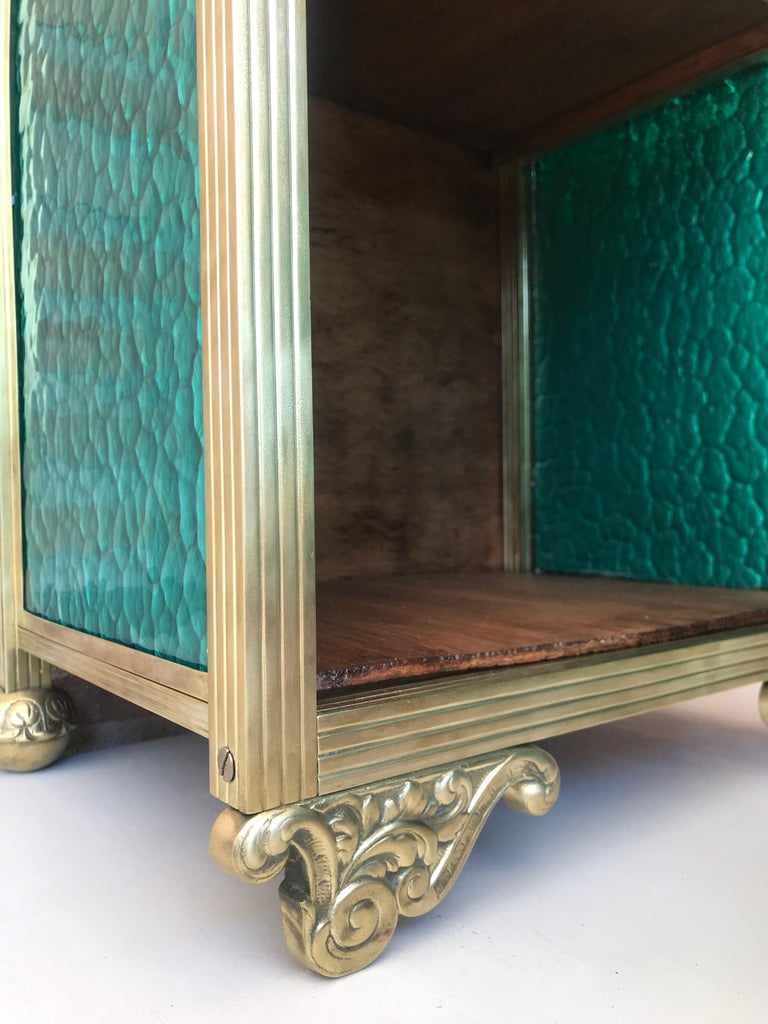 Louis XVI Pair of Bronze Vitrine Nightstands with Green Glass Doors and Drawer For Sale 2
