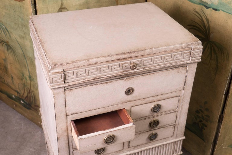 Perfect size petit painted and carved commode. Louis XVI style Napoleon III period.
