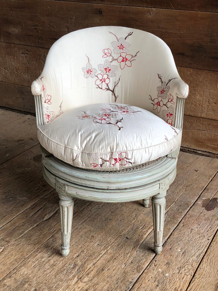 "Louis XVI Revolving Desk Chair, Signed ""A. Gailliard"" circa 1785 For Sale 2"