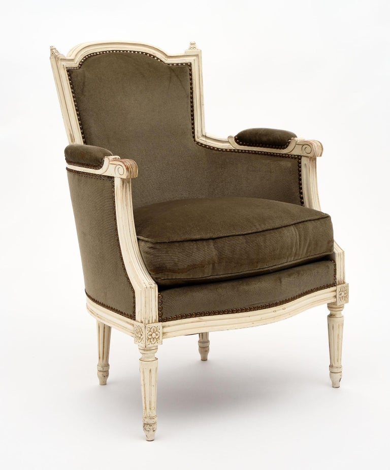 Louis XVI Style French Antique Bergères In Good Condition For Sale In Austin, TX