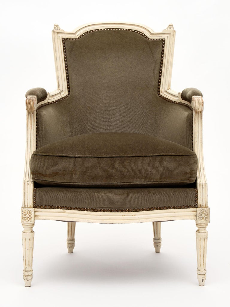 Early 20th Century Louis XVI Style French Antique Bergères For Sale